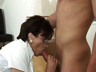 British Nylon Lady (blowjob-footjob)