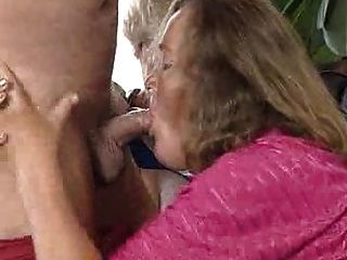 Old And Sexy Granny !