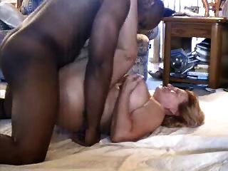 Thick Granny Enjoys Bbc While Hubby Sends Email!