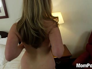 Curvy Natural Tits Amateur Blonde Gets Fucked