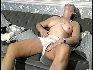 Lady Shows All 45