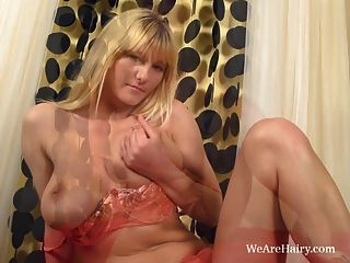 Vanessa J Gets Horny On The Red Topped Chest