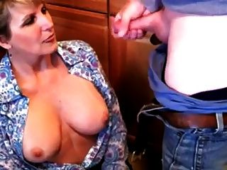 Fantastic Milf Swallow Cum!!!!