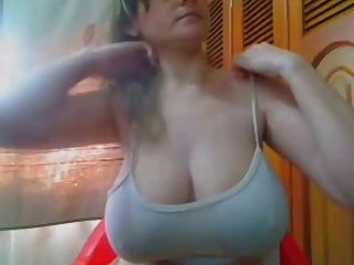 Short But Sweet,amateur Flashes Her Hugetits And Big Nipples