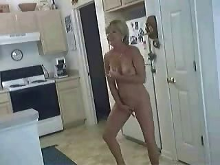 Bitch In The Kitchen