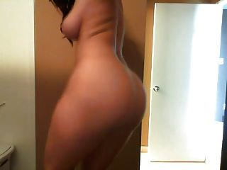 Babe With Big Tits And Ass Masturbates Many Times