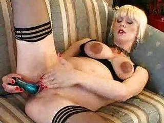 Rubia embarazada masturbandose pregnant - 3 part 4