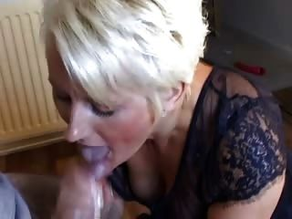 A Mature Spit The Sperm Out Of Her Mouth To Her Shirt