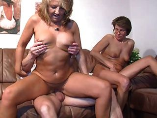 Mature threesome sex tubes