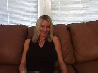Amateur girlfriend huge boobs