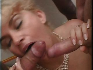 hot  sex anal salope rondelette