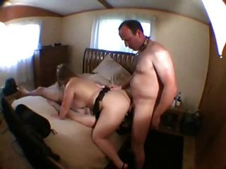 Cuckold Cum Eating With Two Slaves