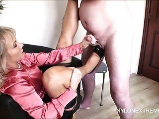pantyhose upskirt sexuell stimulieren