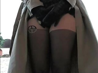 Beauty wearing pantyhose encourages you to jerk off 7