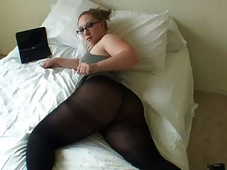 Amiga do facebook rebolando facebook friend on the bed