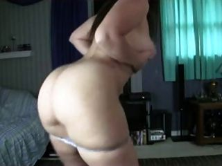 Thick White Girl Pale Ass Sexy Booty Twerk - Ameman