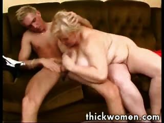 Mature fat girl fucked by busdriver