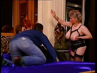 Stepdad massages not her daughter with a happy ending 4