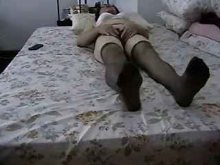 Amateur Granny Masturbates Her Hairy Pussy !
