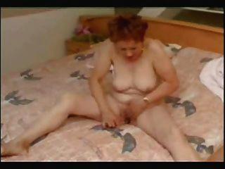 Incredible Orgasmus Of Older Woman !