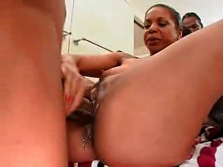 Old lady loves to suck cock