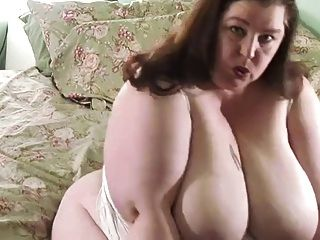 Ssbbw Shaking Her Ass And Playing With Her Dildo - Derty24