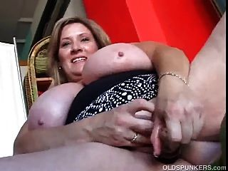 Beautiful Cougar Has Nice Big Tits And A Fat Juicy Pussy