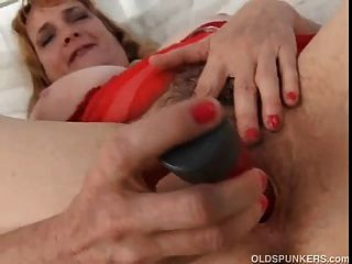 Fat Black Mature Pussy Mature Amateur Fucks Her Fat Hairy Pussy Until Its Nice And