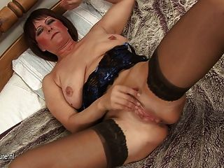 Stephine likes to open her legs and rub her pussy 7