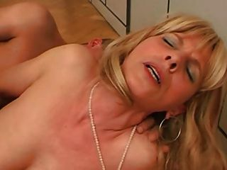 Blonde Mature Want To Fuck