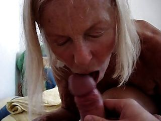Amateur Granny Suck