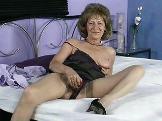 Granny Has A Quick Play