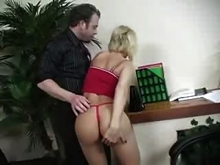 Diamond Foxxx My Butt Is Too Big 118