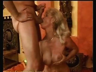 A veces money talks 4 busty blonde granny gilf 3