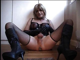 Handjob By Tranny Slave For The Mistress