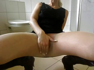Brit babe anabella silvers wanking in pantyhose 9
