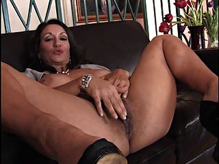 Persia monhir monster cock bbc troia bello duro per bene in fondo al culo e spacca tutto 10