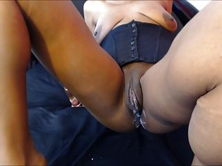 large black pussy lips Big clit,big lips woman squirts.