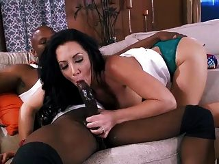 Babysitter gets fucked the daddy of the house