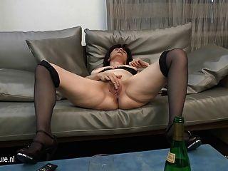 Mature Mom-next-door Loves Masturbating