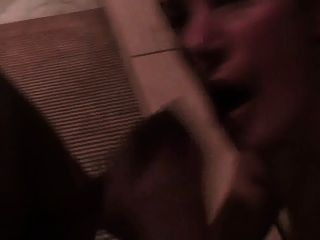 Blowjob-quickie In Oeffentl. Sauna !!