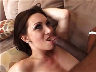Milf chelsea zinn gapes her ass with two brutal dildos - 1 10