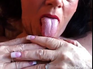 Gorgeous Amateur Cougar With Nice Big Tits Has A Smoke Break