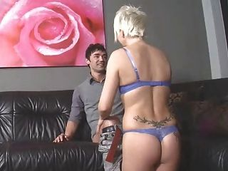 Mature gamer nerd masturbates her shaved pussy on auntjudys - 2 part 6