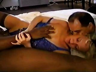 Azlea van threesome