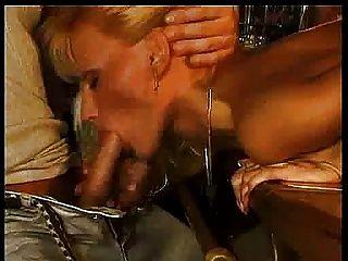 Anita Blond - Stripper - M27