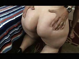 MZ.QueenDiva doing what she do Best hot wet pussy ass play webcam show..