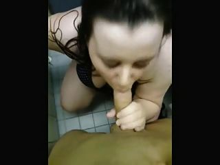 Real Amateur Couple Having Sex In The Dressing Room