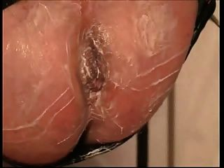 Vacuum stretching ass pumping hole