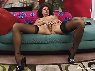Mature Pussy Fucked By Younger Meat